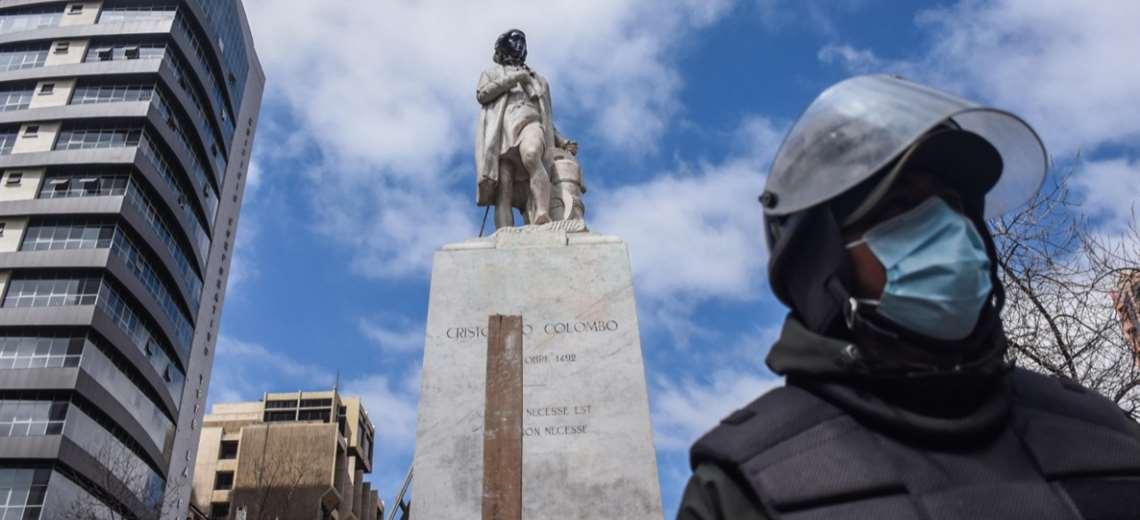 """Embajador de España explica que """"no tiene sentido"""" destruir bienes públicos, en respuesta al ataque a la estatua de Colón"""