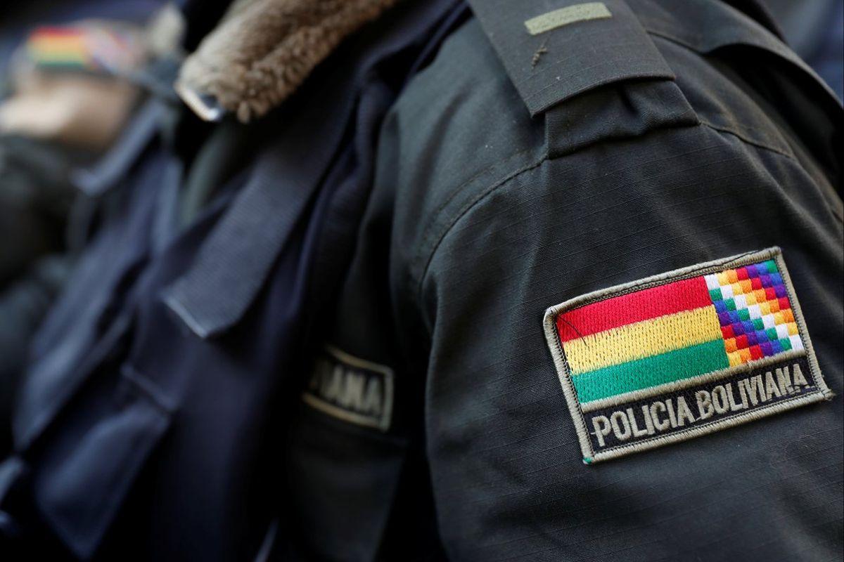 """Cambian el lema del verde olivo a """"Somos la Policía de todos los bolivianos"""""""