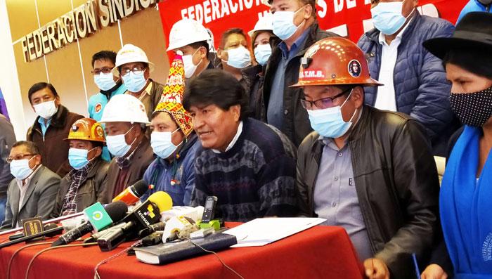 """Organizaciones afines al MAS se declaran en emergencia por intentos de """"desestabilización"""""""
