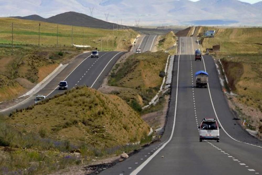 Desbloquean la carretera La Paz – Oruro