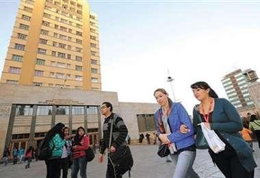 La UMSA reporta 45 % de deserción estudiantil en pandemia