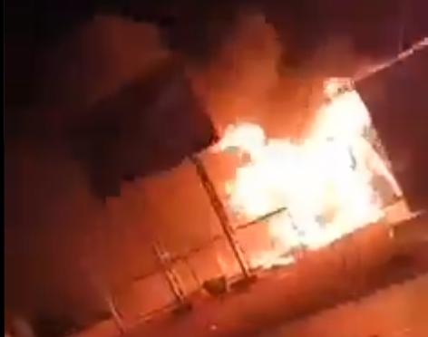 Más de 80 personas atacan y queman un puesto aduanero en Villazón