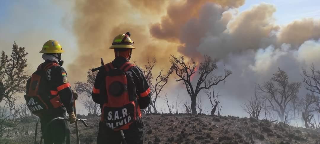 Mujer bombero fallece durante las tareas de sofocación de un incendio forestal en Cochabamba