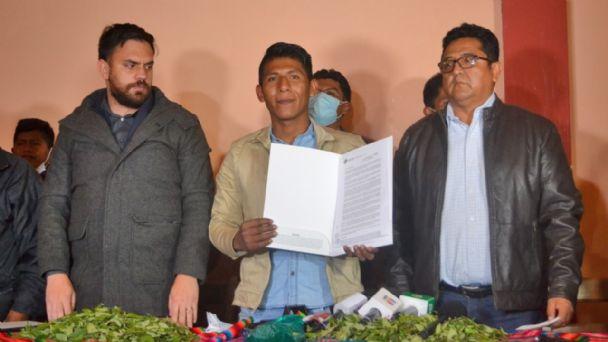 """Gobierno restituye el mercado de Adepcoca y advierte que no se permitirá agresiones de """"grupos minoritarios"""""""