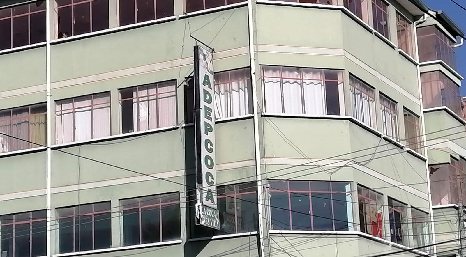 Presentan denuncia contra Elena Flores y Arnold Alanes por la toma de Adepcoca