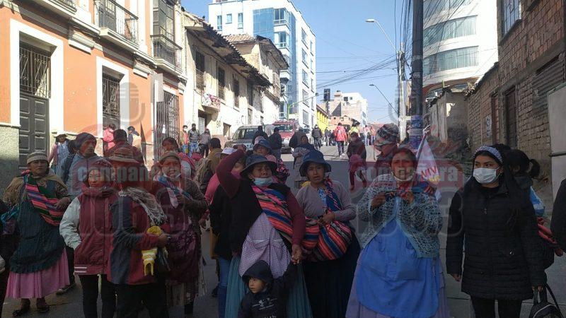 Cocaleros piden la liberación de sus compañeros para acudir al diálogo convocado por el Gobierno