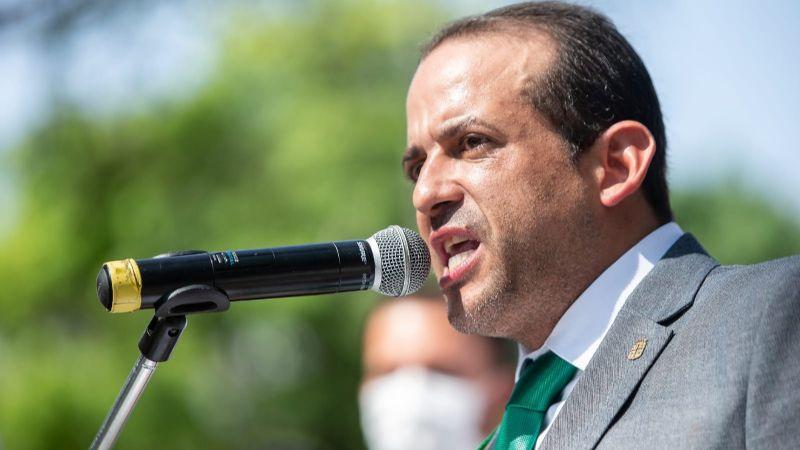 Camacho pide al Gobierno que deje de perseguir a la oposición