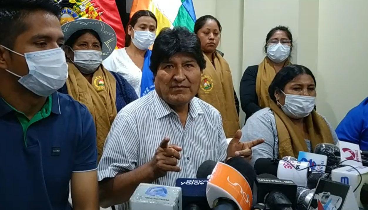 Trópico de Cochabamba plantea marcha de Caracollo a La Paz como desagravio a la wiphala