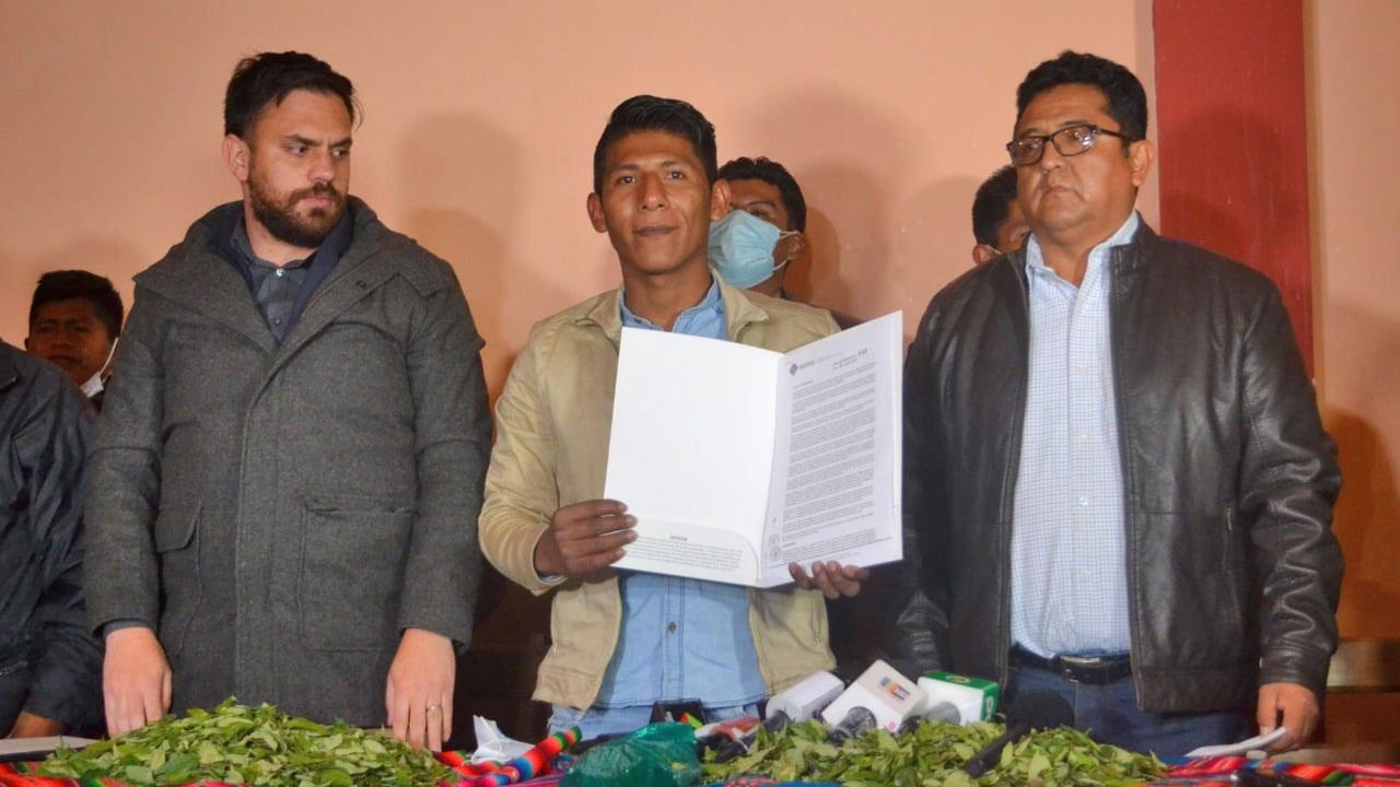 Alanez reconoce que fue un error recibir a ministros en Adepcoca