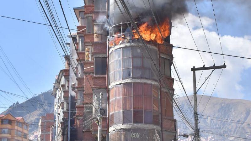 Bomberos investigan incendios en casas de Villa Fátima y descartan que gases lacrimógenos iniciaron el fuego