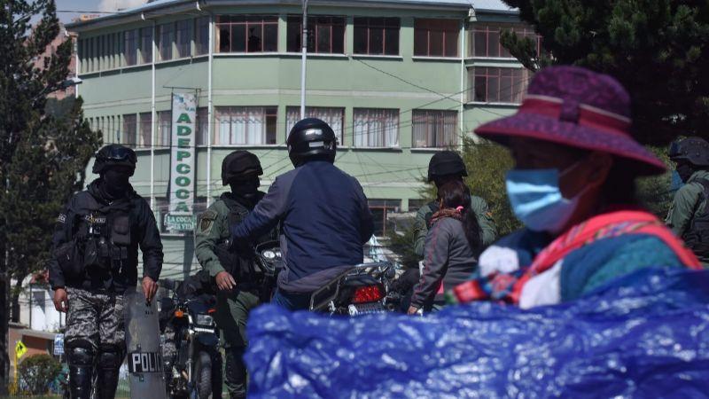 Vecinos de Villa El Carmen exigen el retiro de policías y cocaleros