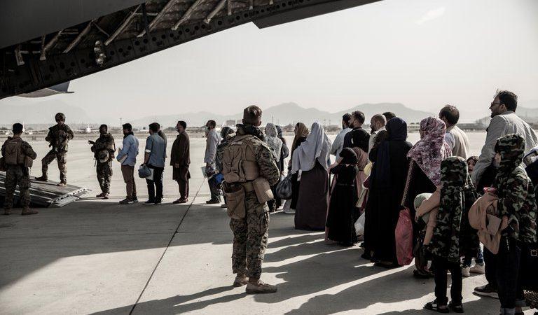 EE.UU. advierte que mujeres y niñas evacuadas de Afganistán fueron obligadas a casarse antes de huir