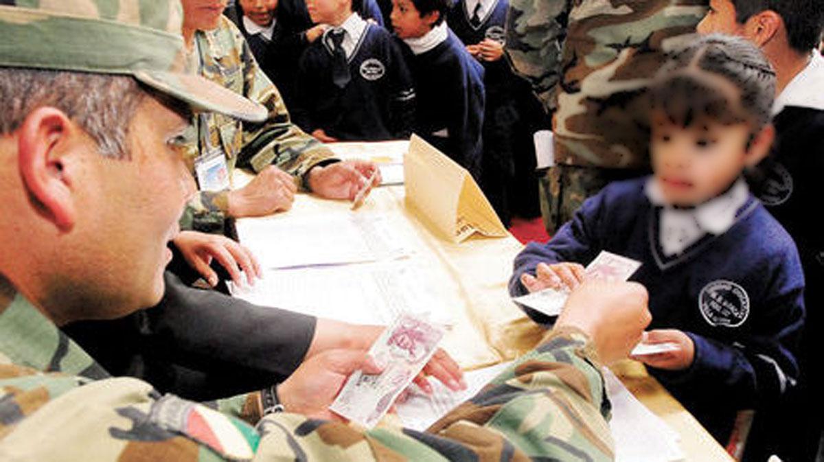 Ministerio de Educación aseguró que esta gestión se garantiza el pago del bono Juancito Pinto