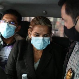 Castigan por tres días a Jeanine Áñez por no asistir a una audiencia virtual