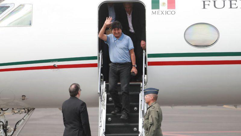 Piloto asegura que el avión que trasladó a Evo a México fue atacado por un proyectil