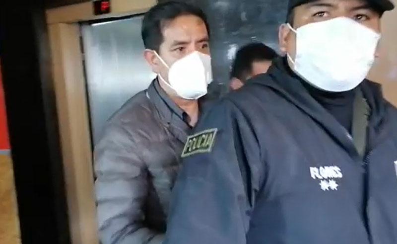 Excomandante de la Policía es aprehendido por el caso Senkata