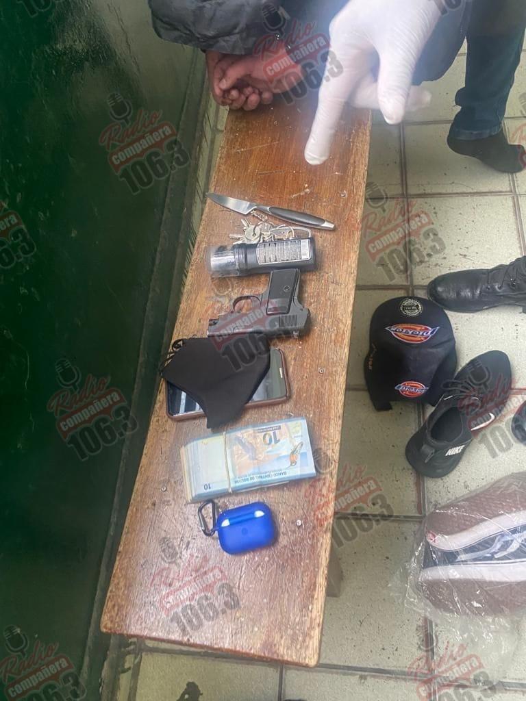 Aprehenden a sujeto que robó celulares en Eloy Salmón usando un arma de juguete
