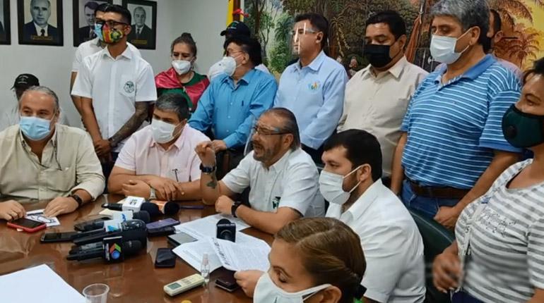 Comités cívicos se declaran en emergencia para exigir la abrogación de un paquete de leyes