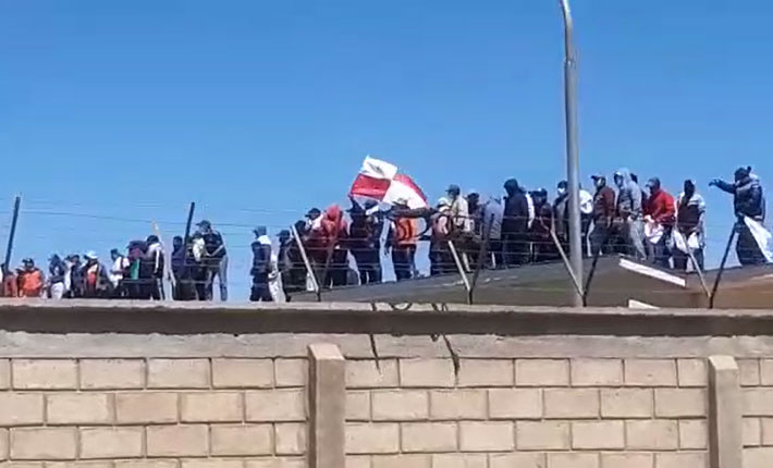 Reclusos de Cantumarca protestan para exigir el traslado de Yassir Molina