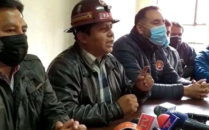 """Huarachi: """"No vamos permitir que otra vez la derecha criolla desde Santa Cruz desestabilice nuestro gobierno"""""""