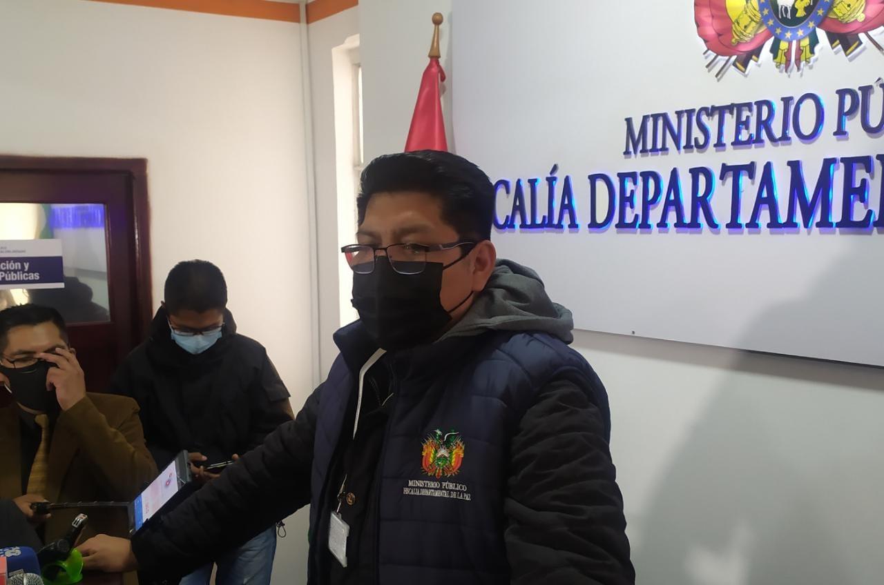 Suspenden declaraciones de Camacho debido a que su padre debe declarar primero
