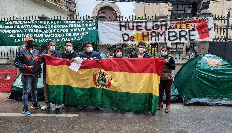 Gremiales de Cochabamba realizan huelga de hambre en rechazo a la ley Contra las Ganancias Ilícitas