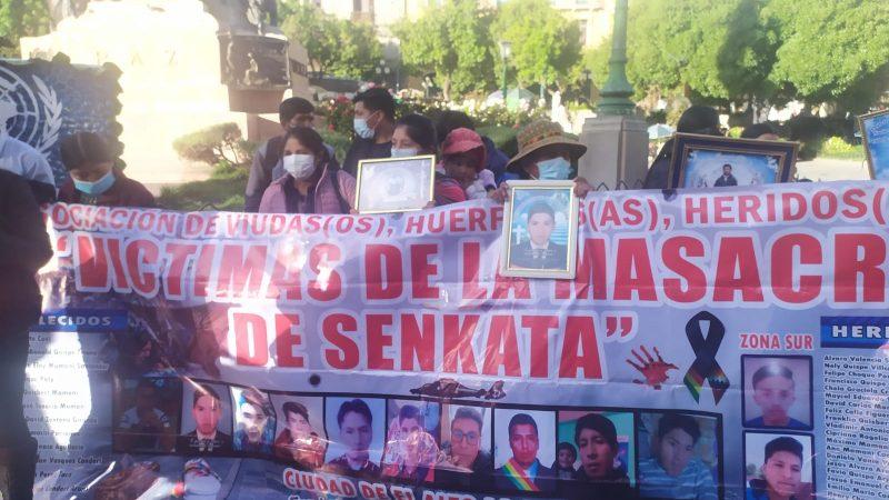 Víctimas de Senkata denuncian que David Inca los excluyó de la marcha e intenta lucrar con las familias de los fallecidos