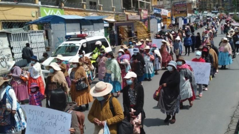 """Gremiales de El Alto se movilizaron para exigir la anulación de la """"Ley contras la legitimación de ganancias ilícitas"""""""