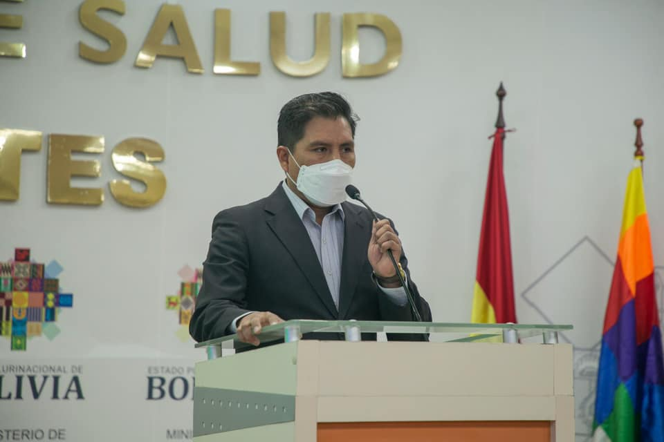 Ministro de Salud asegura que Camacho mintió sobre datos de la vacunación en Santa Cruz